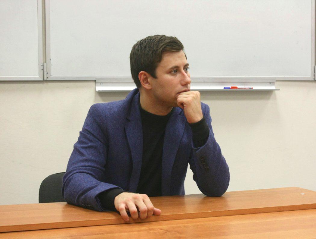 Артем Хромов